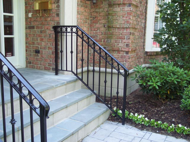 Diseños Ornamental Iron Detroit Custom Made step rail