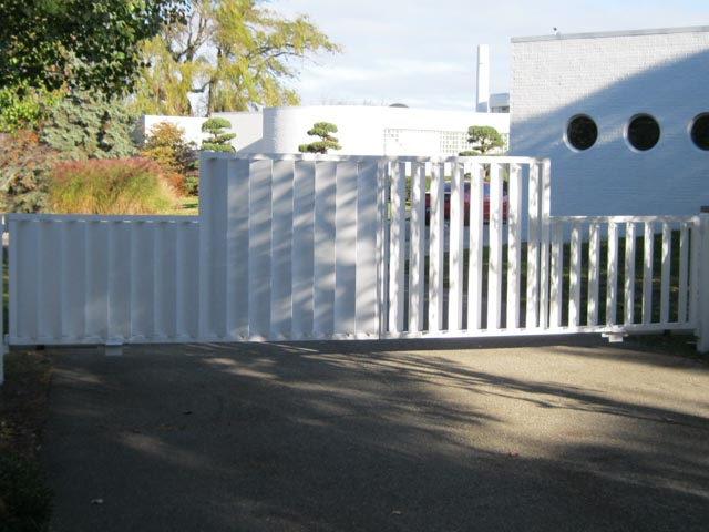 Diseños Ornamental Iron Detroit Custom Made gate modern white