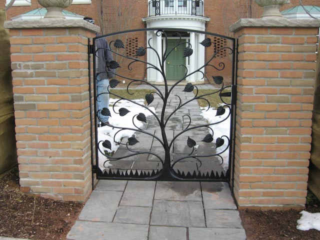Diseños Ornamental Iron Detroit Custom Made gate tree design