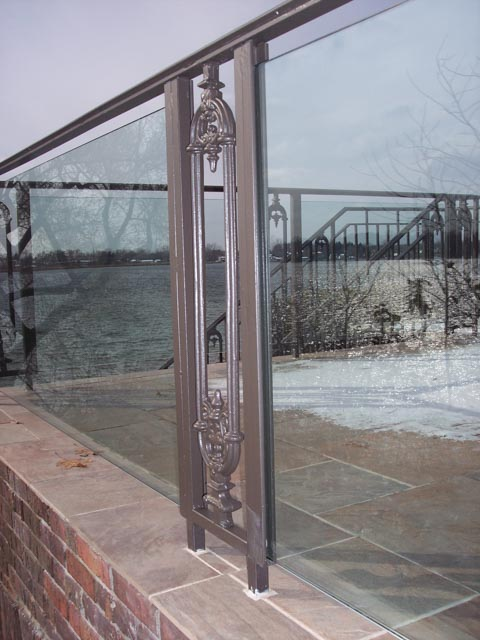 Diseños Ornamental Iron Detroit Custom Made rail with glass