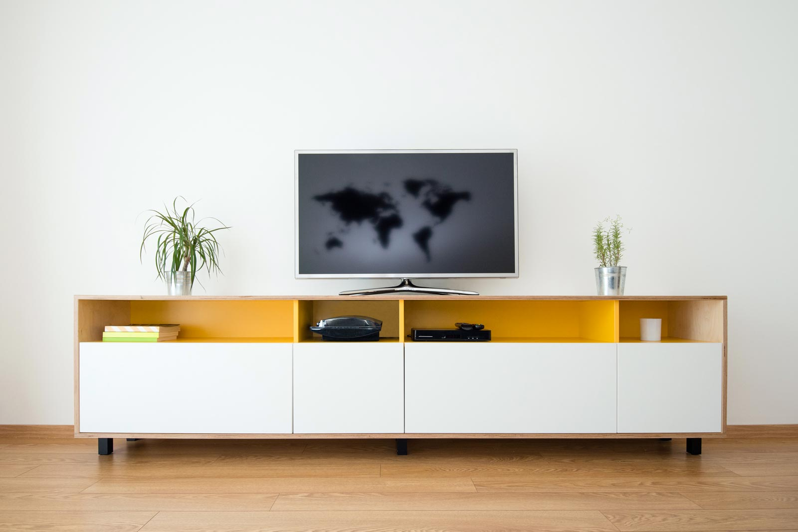 meuble sur mesure pour le s jour et les pi ces de vie. Black Bedroom Furniture Sets. Home Design Ideas