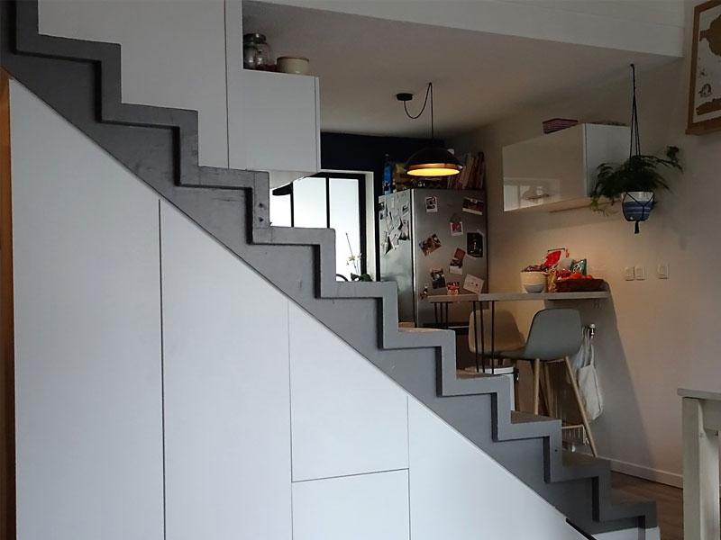 Meuble escalier accès mezzanine