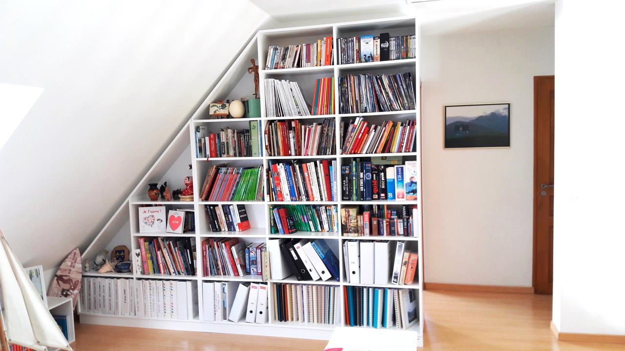 bibliothèque sous pente