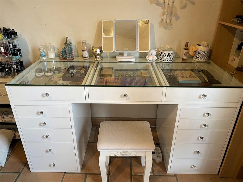 bureau coiffeuse chambre
