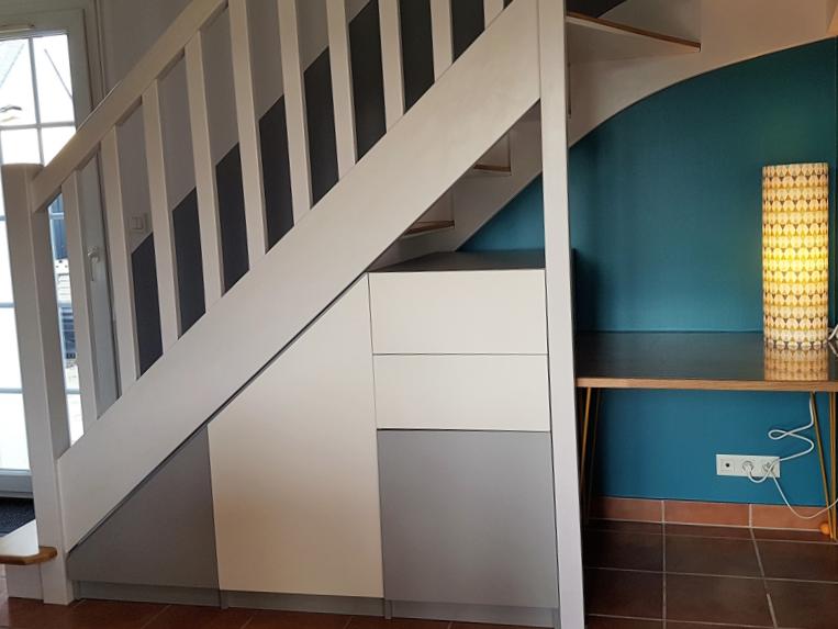 bureau sous escalier sur mesure