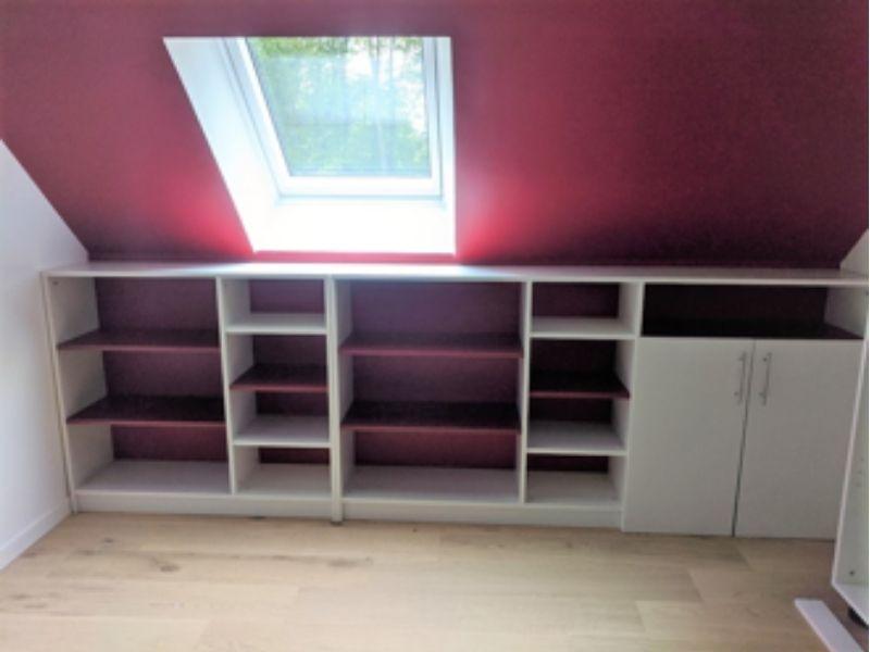 meuble sur mesure ouvert rouge et blanc