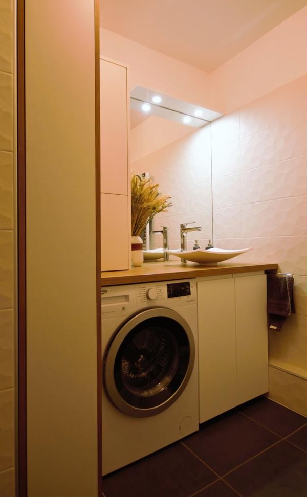 salle de bain blanche bois