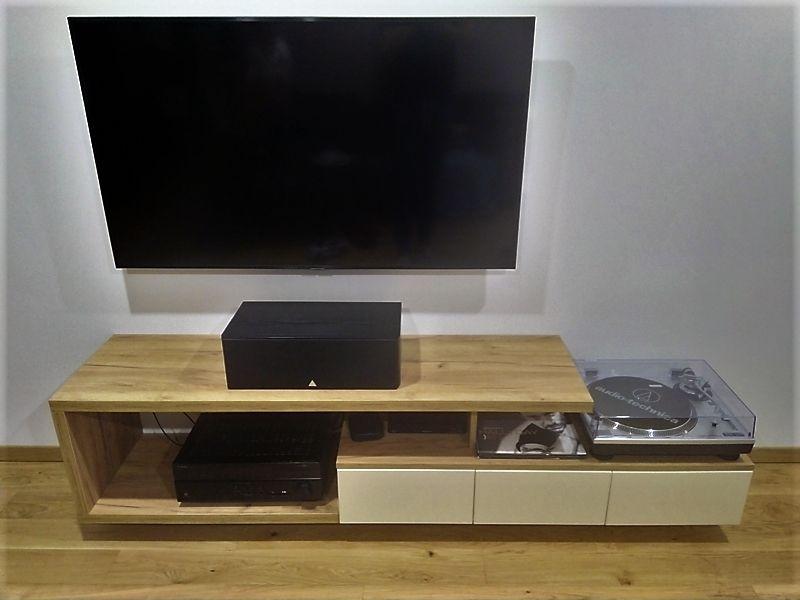 Meuble TV bois et blanc sur mesure