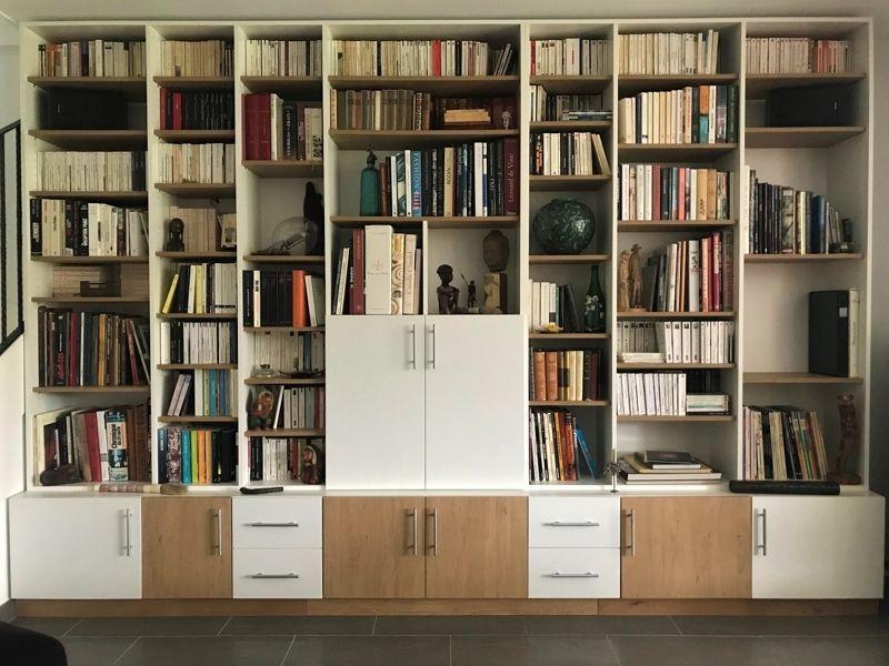 Bibliothèque bois et blanche sur mesure