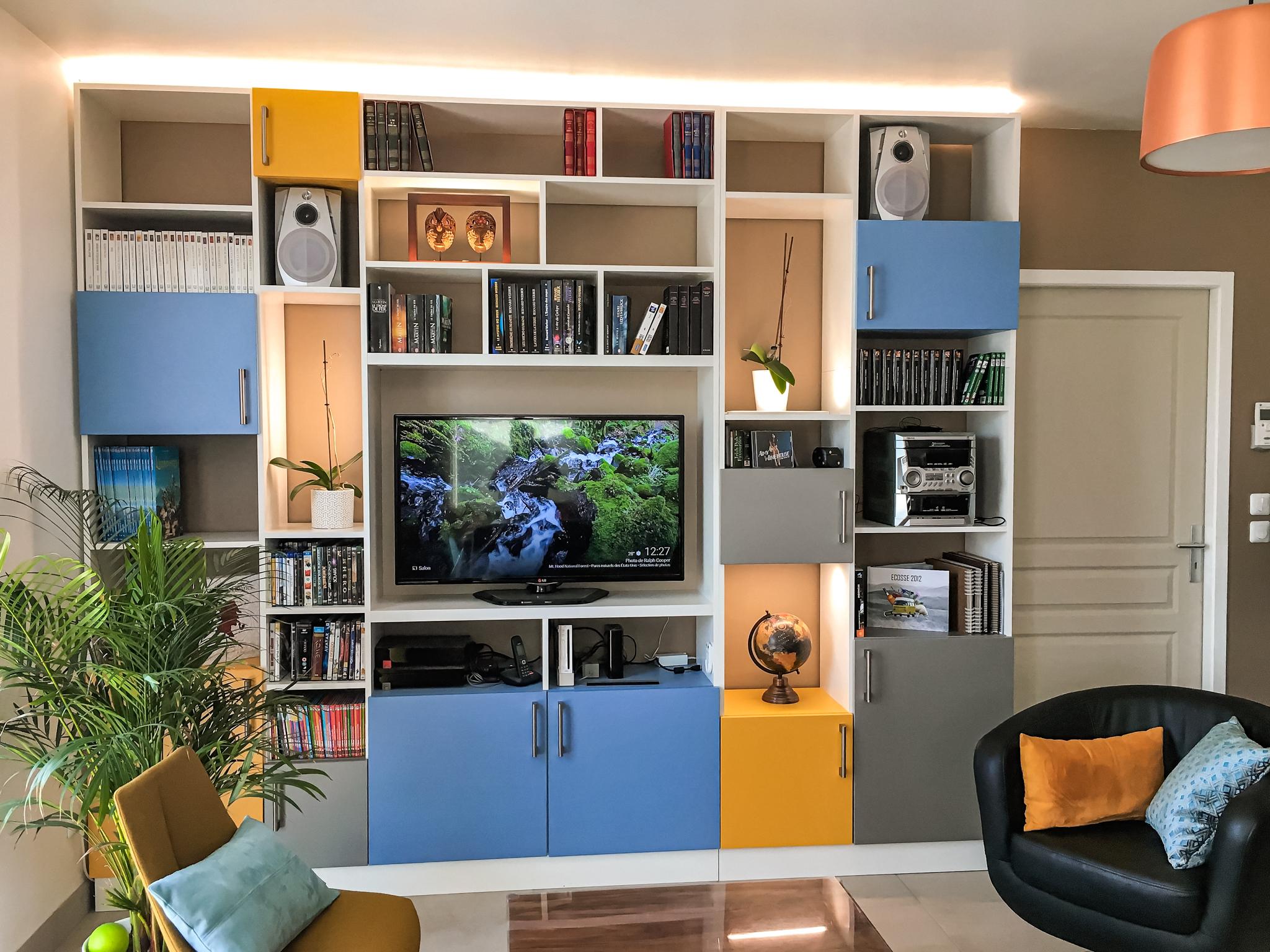 meuble tv bibliothèque blanc jaune et bleu