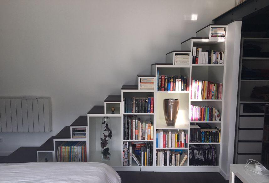 meuble escalier bibliothèque blanc et noir