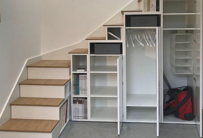 meuble escalier quart tournant blanc et bois