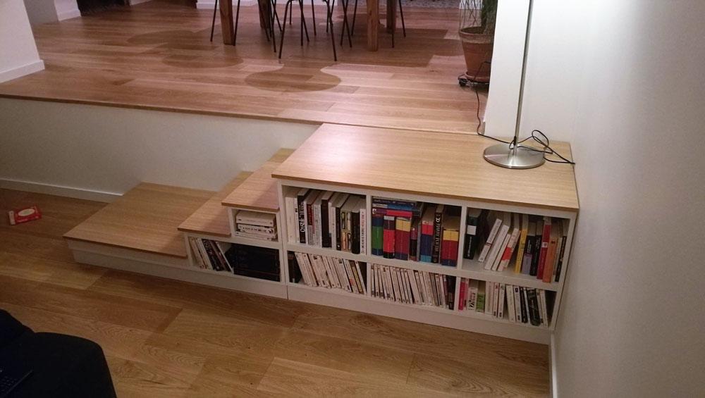 mini meuble escalier bois et blanc