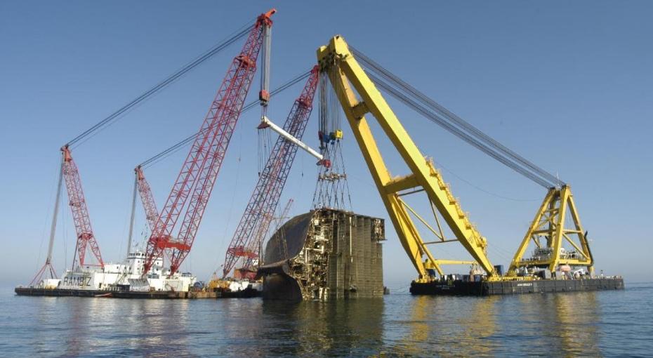 Кадис cadis femap SMIT Engineering NX Nastran solid edge проектирование буксир буксировка спасение koem SMIT Internationale N.V. Dockwise Blue Marlin Kyung Shin судно судоходство