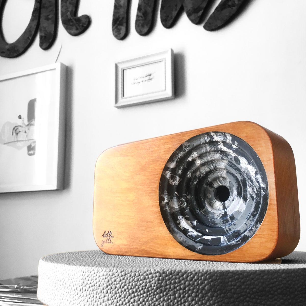 B&W Sound System