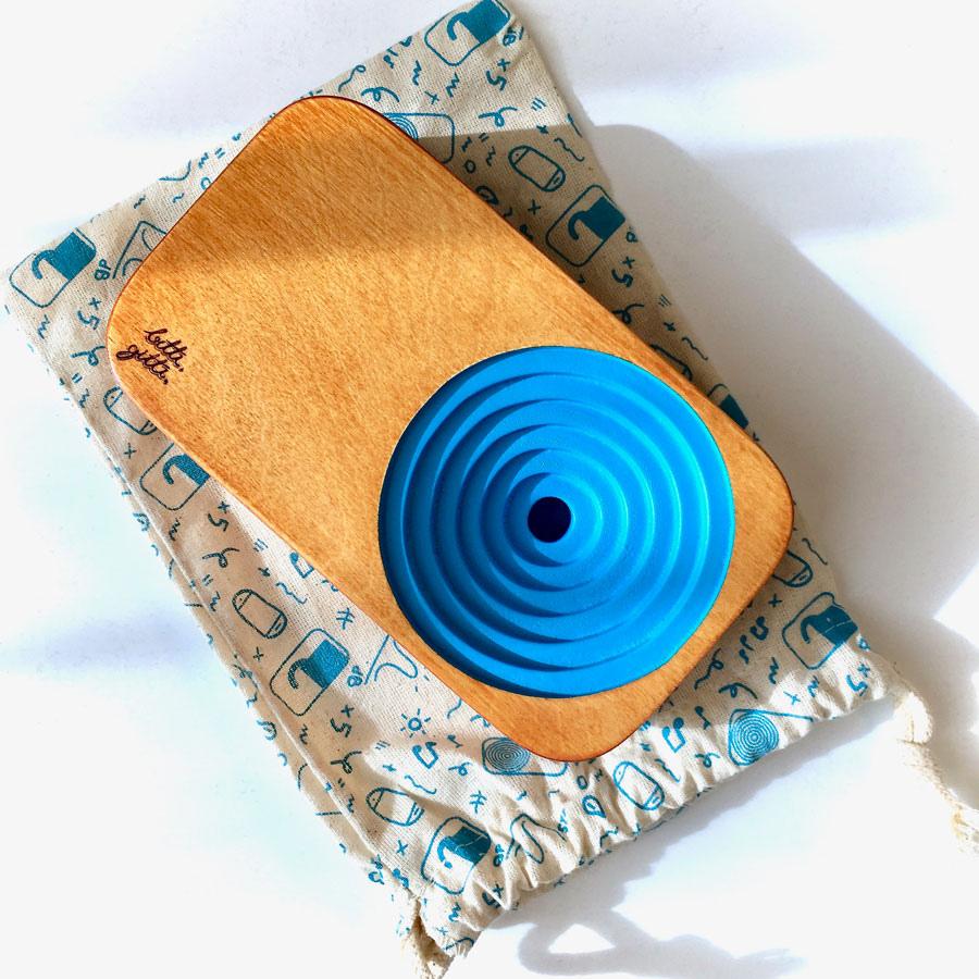 blue  the wooden sound system social material