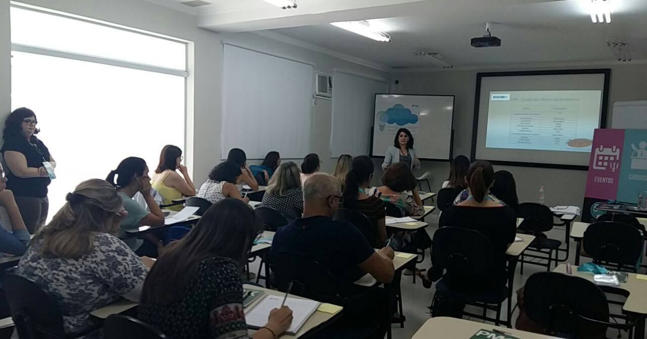Angela Gardinalli palestra Vetor Editora