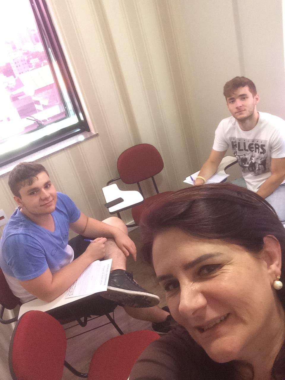 Angela Gardinalli e alunos Igor e Iago