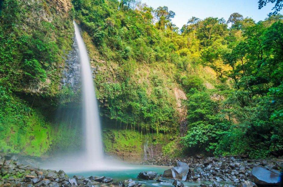 foto de la catarata la fortuna en Costa Rica