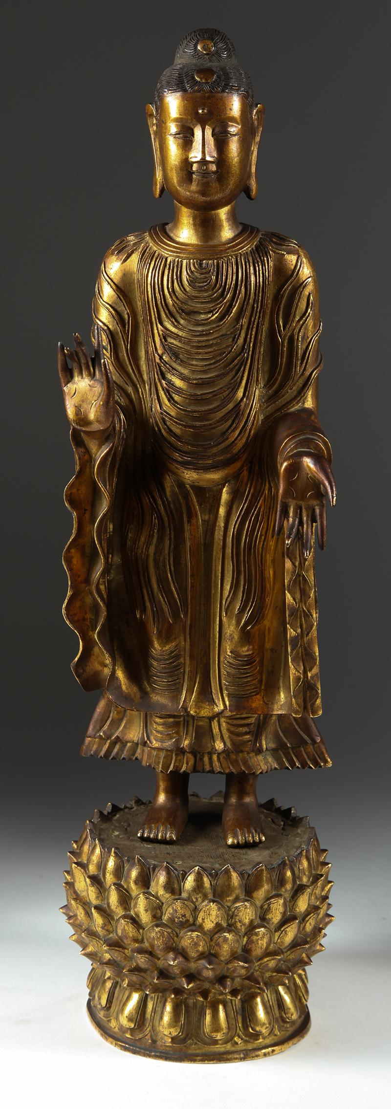 Chinese Auction, Chinese Gilt Bronze Standing Buddha on Lotus Base 17th 18th Century Asian ArtNew York Auction House, Houston Auction, Dallas Auction, San Antonio Auction, Chinese Auction, 铜鎏佛像, 站佛, 莲花宝座, 古董拍卖, 海外捡漏, 亚洲艺术