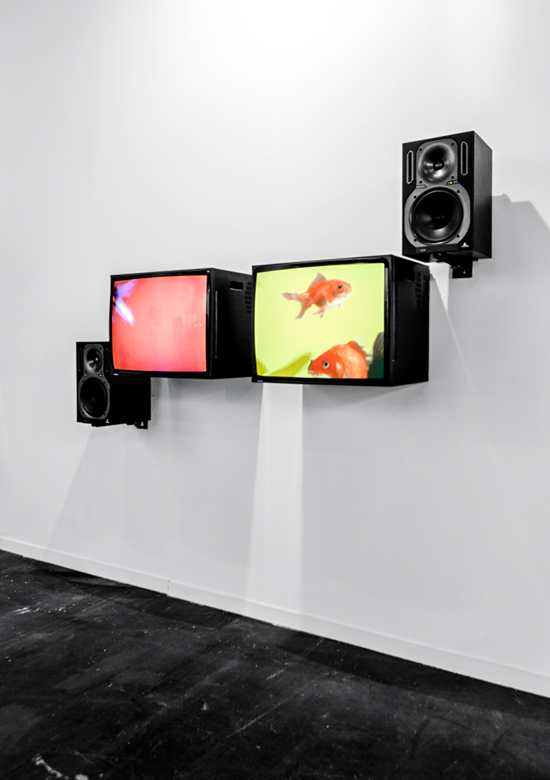 David Ferrando Giraut, FORD PINTO, 2013. Two-channel digital video with sound, 2 CRT monitors, active speakers.