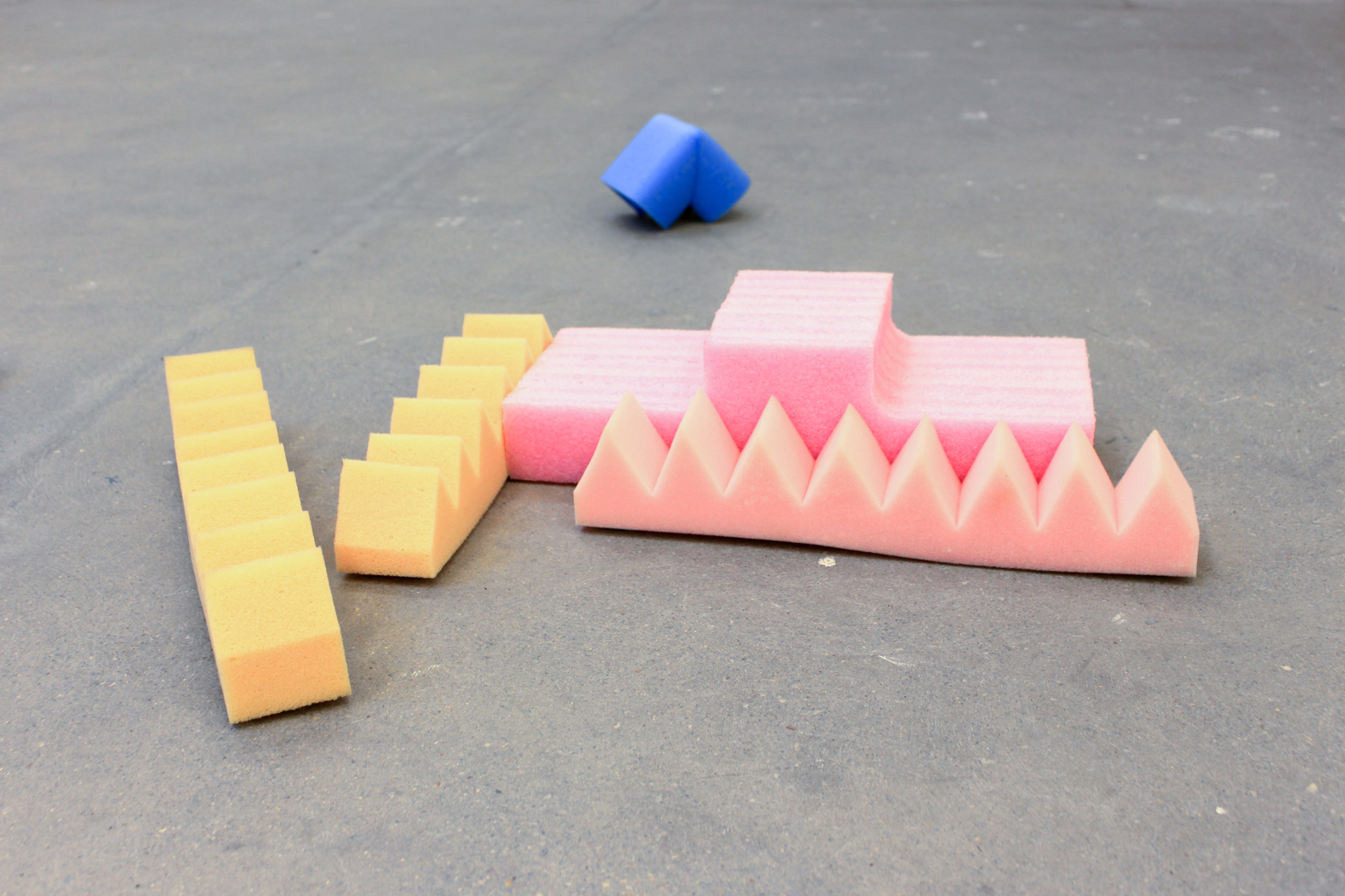 Self-organizing system, 2014. Courtesy of the artist and Kunstraum, London UK.