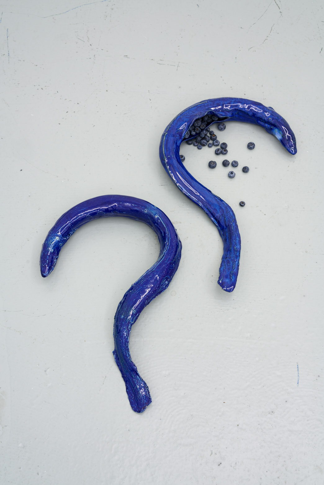 Paloma Proudfoot, The Anthropophagous Stage, 2018, Glazed stoneware, blueberries