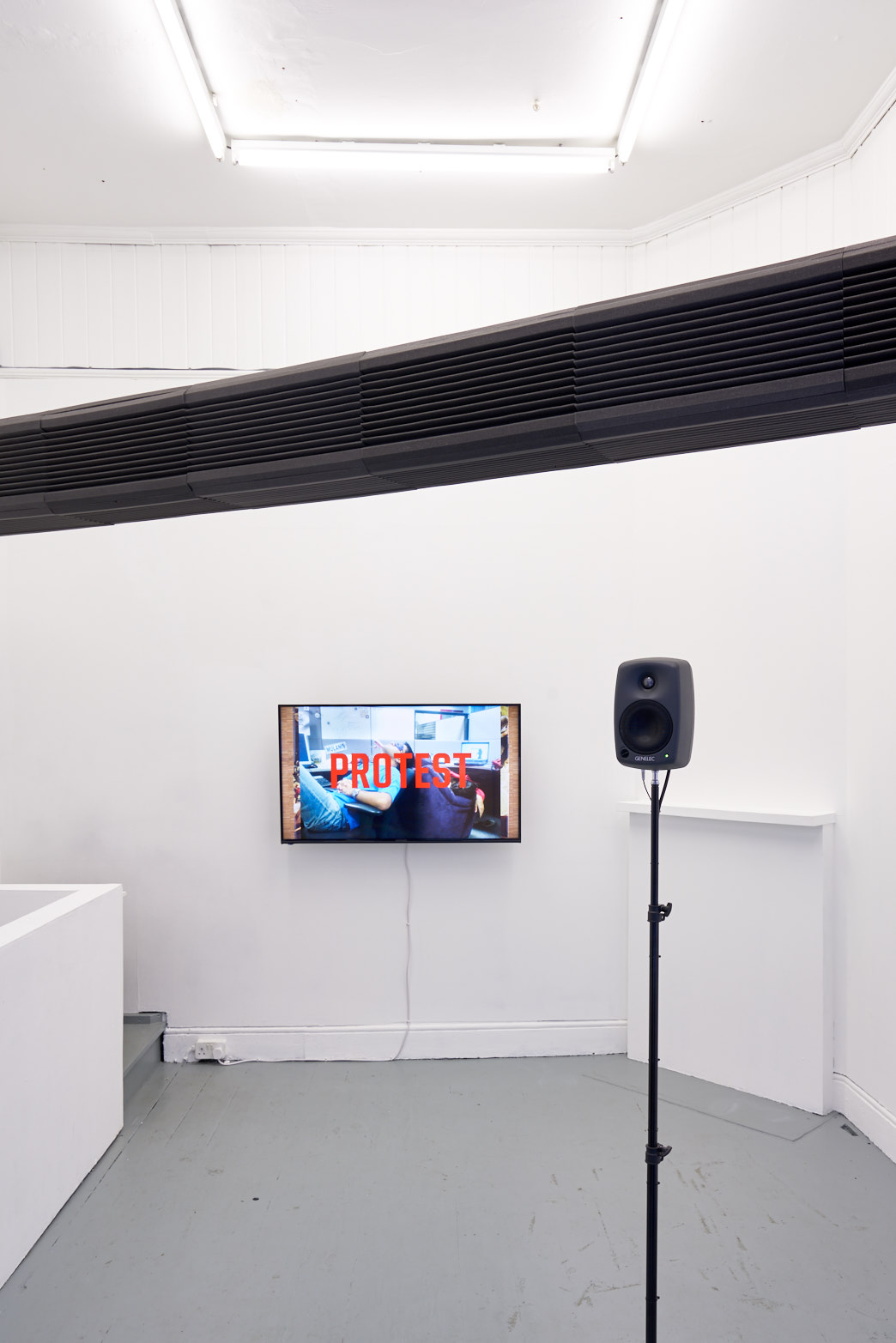 Eyelids Mirrored Within, Installation view, Tenderpixel.