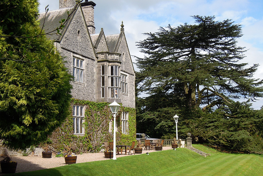 Stay at Callow Hall, Derbyshire