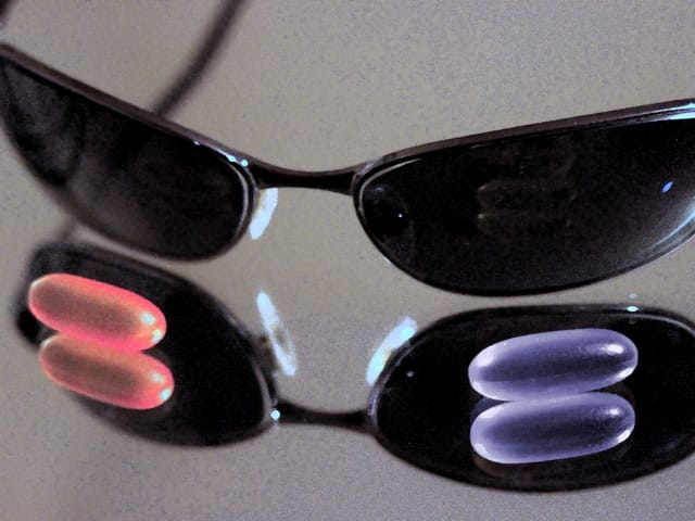 morpheus's glasses and pills