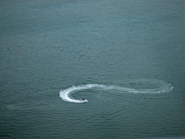 infinity on water skis