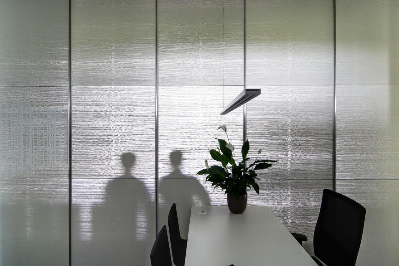 Eine Trennwand aus Lichtbeton