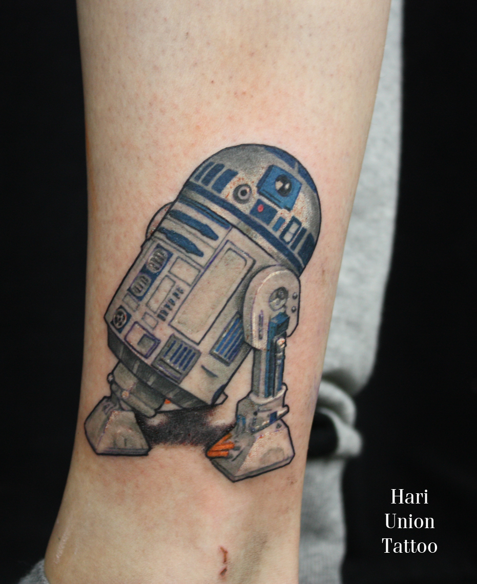 Little R2D2 from Star Wars on the ankle