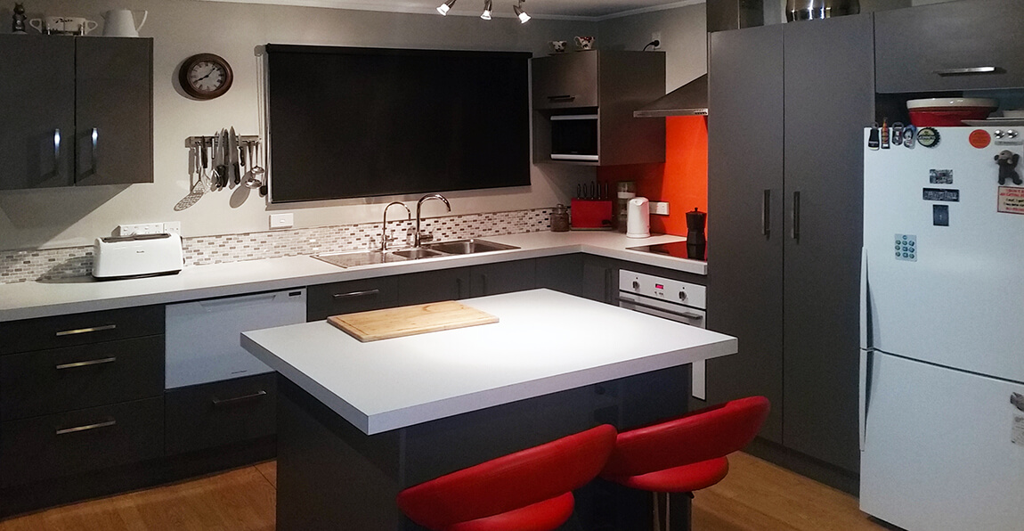 From a flat pack to a bespoke kitchen, or just adding finishing touches to your existing kitchen. We provide professional installation of your kitchen.