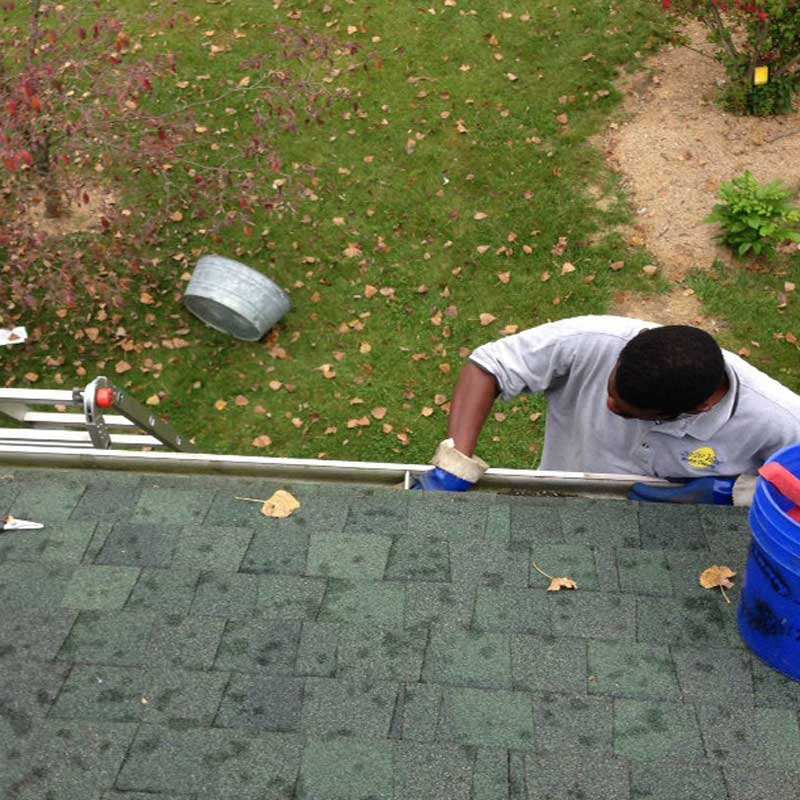Gutter Cleaning In Columbus Oh 20 20 View Llc