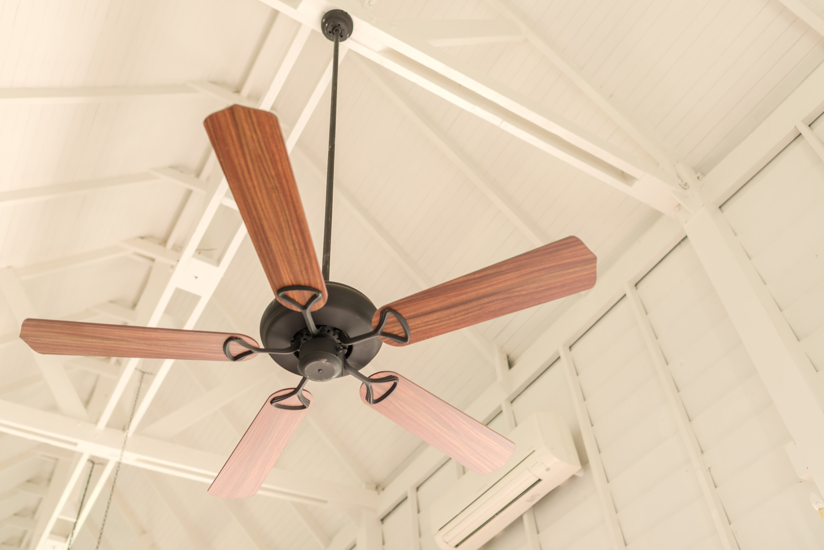 Cut Your Cooling Costs With These Modern Ceiling Fans
