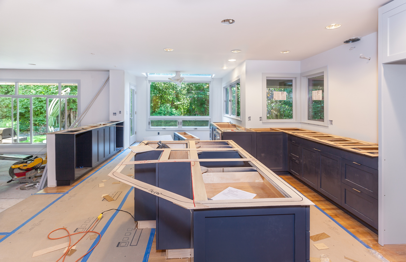 4 Ways a Custom Kitchen Can Make a Home More Inviting
