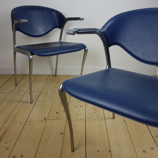 Blue office chairs by Akaba