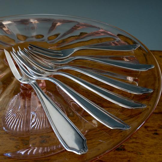 Vintage cake forks -B-