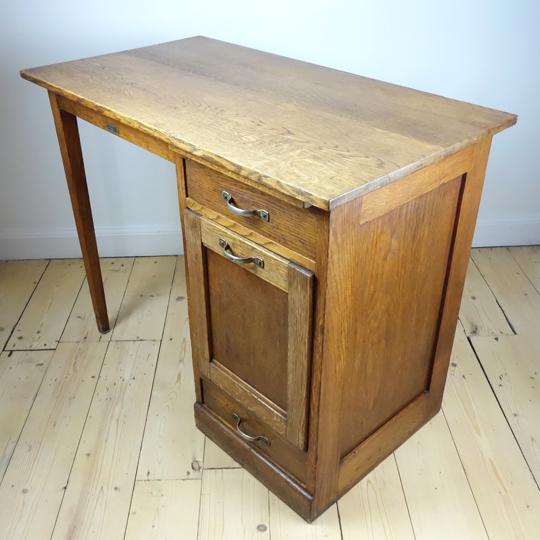 Small desk by G.Pozzi
