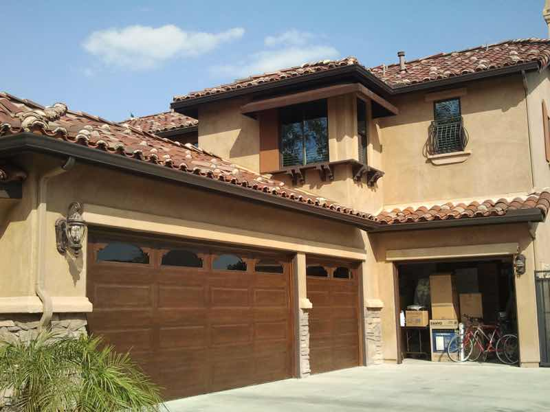 Corona CA home with a new rain gutter installed.
