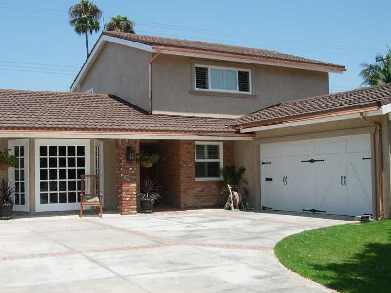 Fontana CA home with a new rain gutter installed.