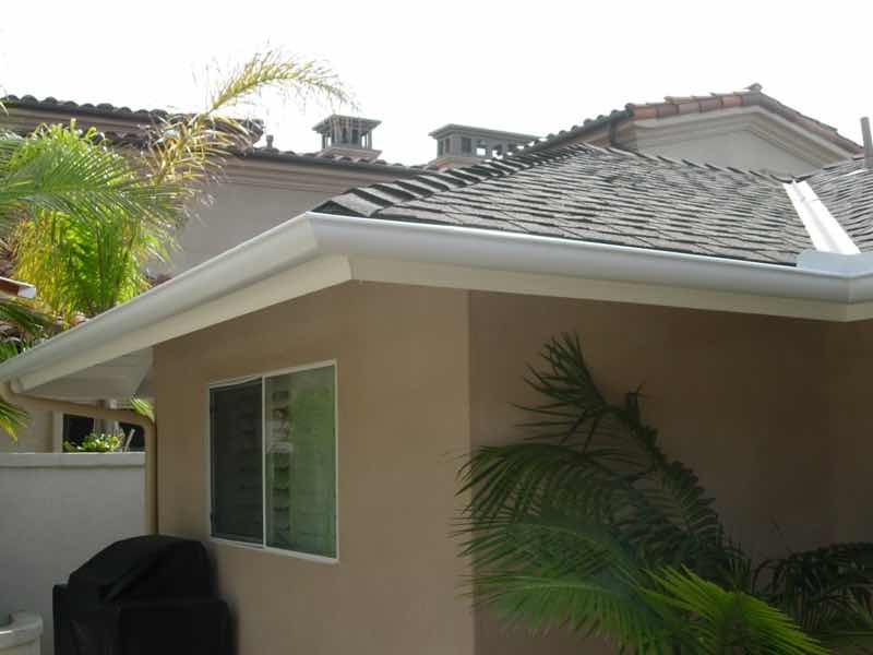 Seamless rain gutter installed in Norco CA