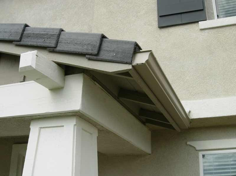 Rancho Cucamonga CA home with a new rain gutter installed.