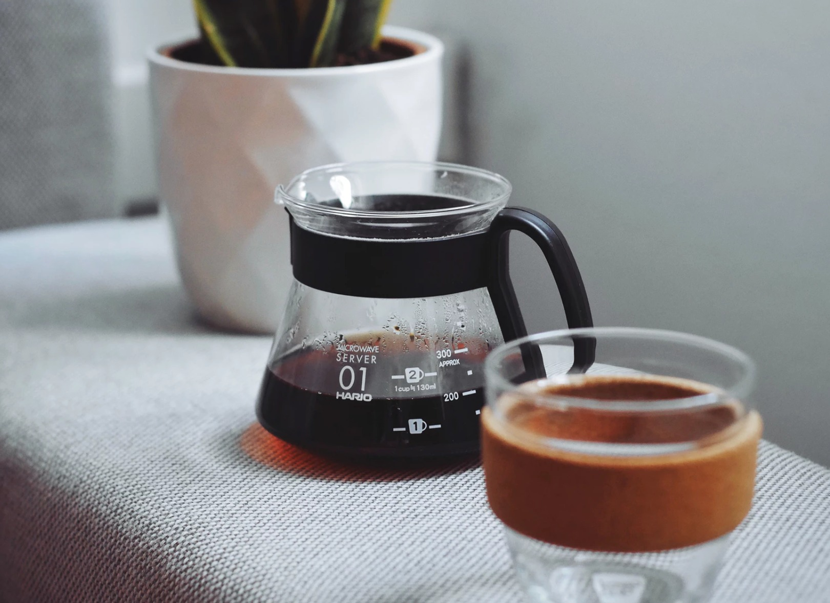 coffe pot and reusable glass cup