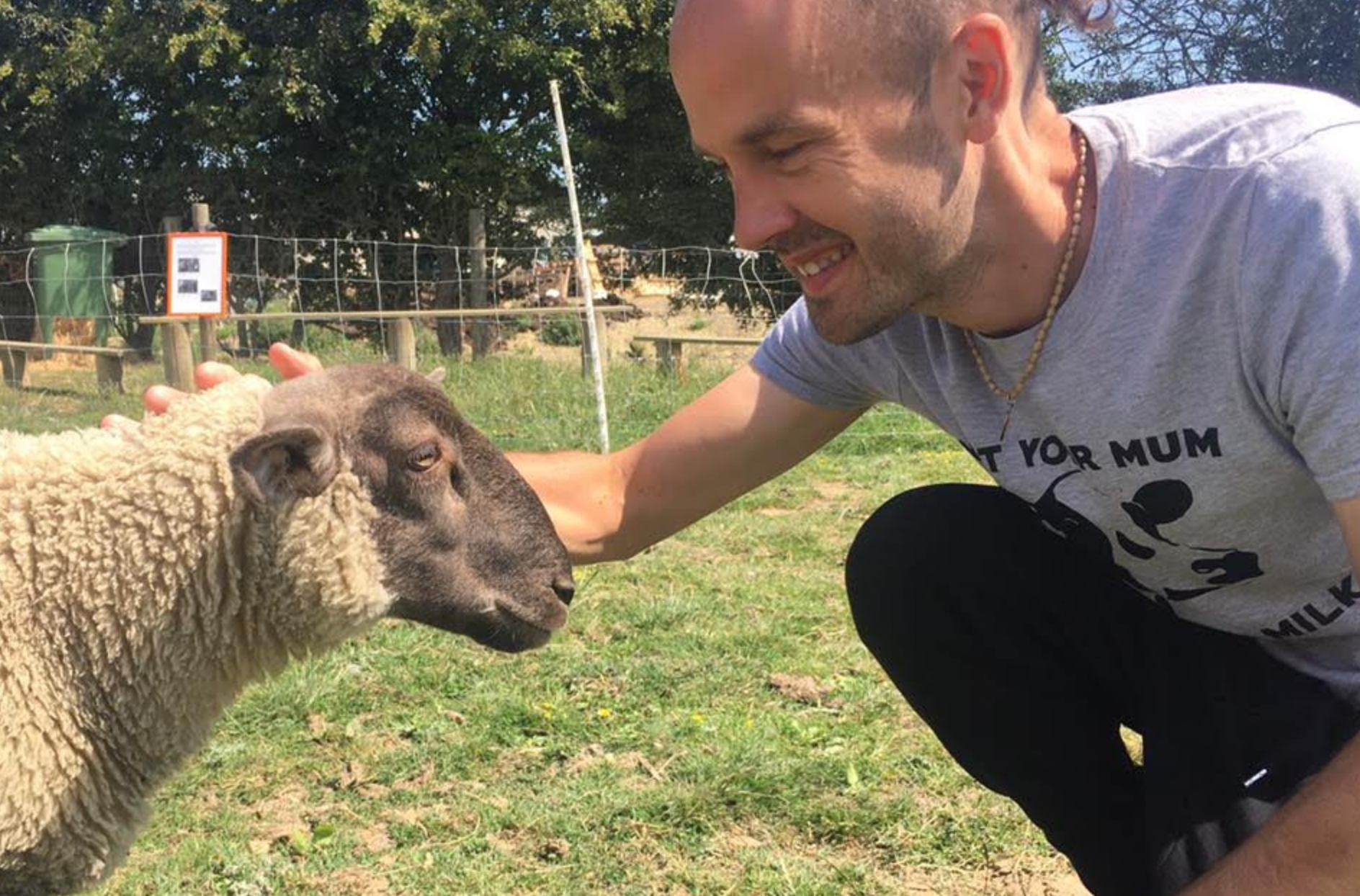 Vegan journalist Chas Newkey-Burden with a sheep