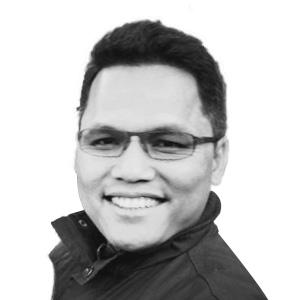 Photo of Dr. Junya Michanan