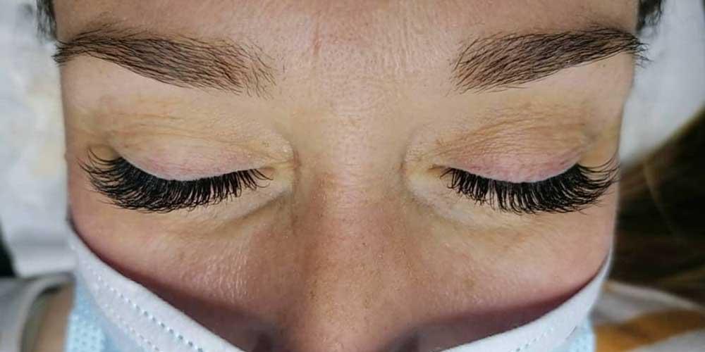 beauty treatments spray tan image