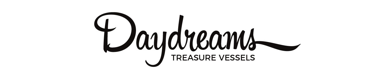 logo for the pottery collection daydreams treasur vessels
