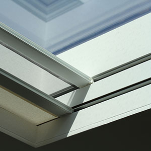 Concealed double skylight blinds